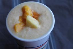 Ananas-mangó-melónuþeytingur (eða eftir behag)